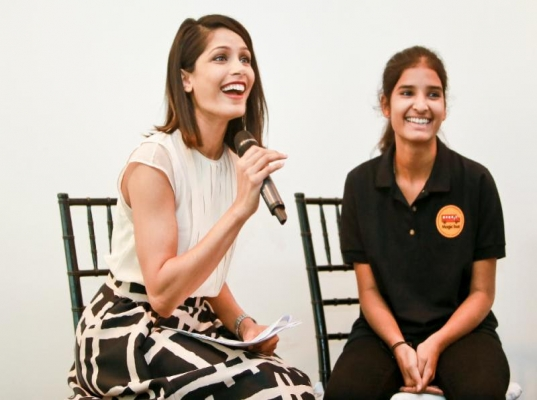 When Freida Pinto met Sangita Pal, a teen from the village portrayed in 'Slumdog Millionaire'