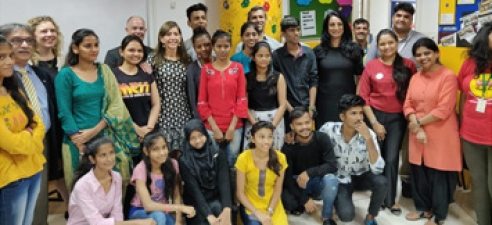 First lady of New Jersey, Tammy Murphy, interacts with Magic Bus children during her historic visit to India